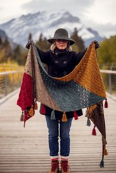 Moraine Schal Muster von AbbyeKnits 2019 Ravelry: Moraine Shawl pattern von AbbyeKnits knitted shawl The post Moraine Schal Muster von AbbyeKnits 2019 appeared first on Yarn ideas. Knitted Shawls, Crochet Scarves, Crochet Shawl, Knit Crochet, Ravelry Crochet, Crochet Baby, Lace Shawls, Knit Cowl, Knitted Baby