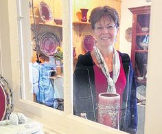 When Gail Russell creates her functional pottery, she prefers a natural approach.