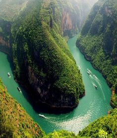 Gorgeous Bend In Yangtze River - China