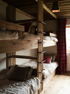 I had to share another refined rustic chalet in the mountains by the incredibly talented Marianne Tiegen. Where wood walls meet Tom Dixon Beat lights and a Mies van der Rohe Barcelona stool. L Shaped Bunk Beds, Bunk Beds Built In, Bunk Beds With Stairs, Kids Bunk Beds, Bunk Bed Ladder, Chalet Interior, Interior Design, Showroom Design, Interior Livingroom