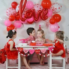 Best Ideas For Valentines Party Decorations 48 Valentines Bricolage, Kinder Valentines, Little Valentine, Valentines Day Party, Happy Birthday Valentine, Photos Saint Valentin, Saint Valentin Diy, Valentinstag Party, Valentines Day Pictures