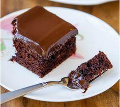 Bolo fofinho de chocolate com ganache