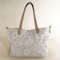 $484 VALENTINO GARAVANI Beige Cotton Lace Handbag via boutiika.com Valentino Garavani, Cotton Lace, Baggage, Beige, Handbags, Boutique, Purses, Tote Bag, Crochet