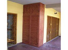 Armadio da balcone con pannello i bachelite e ventilazione - Armadi in alluminio per esterni su misura ...