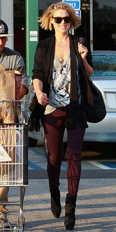 ALI LARTER Strutting her stuff in maroon leggings and black platforms, the hot mama caps off her trip to a West Hollywood Whole Foods in a tasseled boyfriend cardigan and cool tortoise sunnies. Colored Jeans Outfits, Colored Pants, Casual Outfits, Fashion Outfits, Fashion Clothes, Women's Fashion, Plum Jeans, Celebrity Style Inspiration, Fashion Inspiration