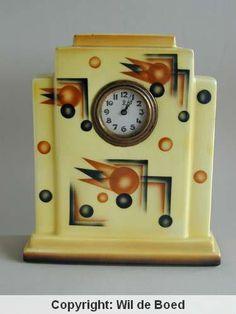 Spritzdekor Art Deco Clock