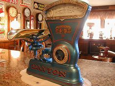 Vintage Dayton model 166 Candy Scale