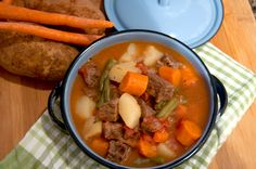 Pressure Cooker / Instant Pot Beef Stew is packed with beef, potatoes, and veggies. It's the perfect comfort food and on the table in just over 30 minutes. Slow Cooker Chicken Stew, Pressure Cooker Beef Stew, Power Pressure Cooker, Using A Pressure Cooker, Instant Pot Pressure Cooker, Pressure Cooking Today, Pressure Cooking Recipes, Slow Cooker Recipes, Beef Recipes