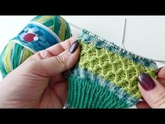 Crochet Patterns Socks [Werbung] Simple, effective & only with right and left stitches is the … Baby Knitting Patterns, Crochet Patterns, Patterned Socks, Fancy Nails, Drops Design, Queen Bees, Hat Making, Knitting Needles, Arm Warmers