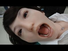 Ultra Realistic Dental Training Robot - Showa Hanako 2: flinches just like a real patient (video)