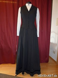 Susan Sto-Helit, governess (The HogFather) Movie Costumes, Halloween Costumes, Belle Epoch, Regency Dress, Steampunk Costume, Cosplay Ideas, Costume Ideas, Dresses For Work, Formal Dresses