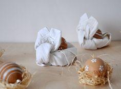 Nyuszi szalvéta hajtogatás - Masni / How to make easy fabric towel rabbits for Easter table DIY