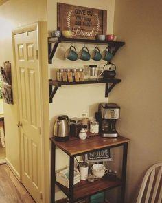 Coffee Nook, Coffee Bar Home, Home Coffee Stations, Coffe Bar, Diy Bar, New Kitchen, Kitchen Decor, Creative Coffee, Apartment Kitchen