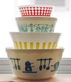 I collect pyrex bowls for fun, for design, and for their pure awesomeness