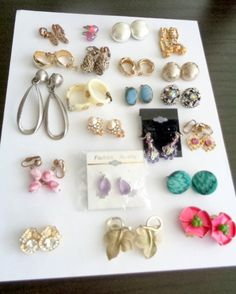 Lot of  21 pairs of Vintage Earrings for Sale. Please look at all the photos available before purchasing the lot as this lot is being sold as-is. Ask any questions you may have. All of the earrings are paired. Thanks very much, CCC