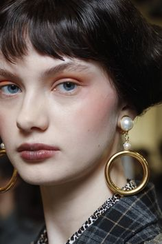 Unique Faces, Antonio Marras, Making Faces, Cover Girl, Everyday Makeup, Interesting Faces, Clean Beauty, Makeup Trends, Milan Fashion