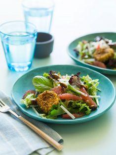 Mozzarella, peppers & asparagus summer salad