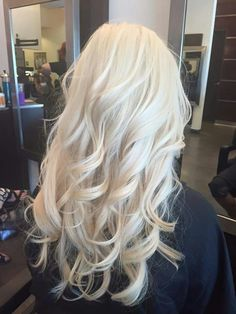 Shop our online store for blonde hair wigs for women.Best Lace Frontal Hair Blonde Wigs Full Lace Front Wigs With Baby Hair From Our Wigs Shops,Buy The Wig Now With Big Discount. Blonde Hair Looks, Light Blonde Hair, Platinum Blonde Hair, Blonde Wig, Bleach Blonde Hair, Brassy Blonde, Blonde Color, Frontal Hairstyles, Wig Hairstyles