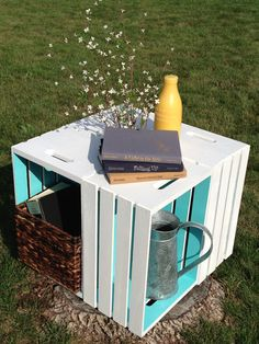 DIY table from crates. Love (: