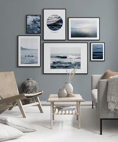 Gallery walls are popular! Find inspiration for creating a picture wall and collages of posters and art prints. There are a range of pictures of rooms with gallery walls and inspiring décor. Make a photo wall gallery with framed art. Gallery Wall Layout, Gallery Walls, Frame Gallery, Art Gallery, Decor Room, Bedroom Decor, Home Decor, Decor Diy, Home Living Room