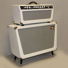 Tone King Galaxy head and 2x12 cabinet, a modern day amplifier with an old…