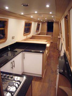 Narrowboat Galley Canal Boat Interior, Narrowboat Interiors, Houseboat Living, Narrow Boat, Narrow House, Tiny House Living, Boat Building, Best Interior, Sailing