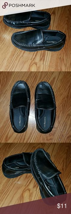 Bass loafers Boys genuine leather black loafers, good used condition worn less than 5 times Bass Shoes Dress Shoes