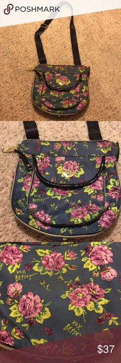 Betsey Johnson floral little crossbody This bag is in excellent condition and so adorable, one light stain on the back of the bag which is hardly noticeable and could probably wash off. This is the cutest little crossbody to own :) Betsey Johnson Bags Crossbody Bags