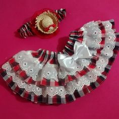 Saia para a festa Junina! Saia pode ser feita de tam RN para 2 neste valor, outro t … - Moda Infantil Maria Valentina, Animal Fashion, Baby Girl Dresses, Vintage Children, Kids Wear, Diy And Crafts, Cool Style, Kids Outfits, Alice