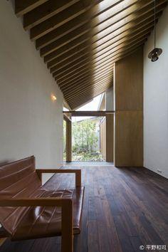 加古川の住宅|HouseNote(ハウスノート) Facade Design, House Design, Contemporary Home Furniture, Interior And Exterior, Interior Design, Wood Architecture, Japanese Interior, Japanese House, House Rooms