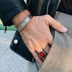 Red agate ring in combination with Symmetric cuff bracelet Agate Ring, Red Agate, Mens Fashion, Jewels, Bracelets, Rings, Ideas, Moda Masculina, Man Fashion