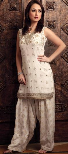 Off White Sleeveless Faux Georgette Punjabi Salwar Kameez 14067
