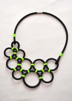 Neon Green circles necklace spring summer necklace von PROPSfashion, €39.00