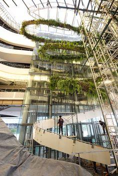 Rainforest Chandelier construction - Designed by Patrick Blanc - Boiffils - MaP3 for EMQuartier shopping mall Bangkok
