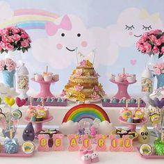 Vem ver incríveis 50 Ideias para Festa Chuva de Amor, inspirações e decorações que vão lhe encantar com esse tema que é tendência.