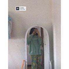 Xin in4 thì ib nha 😋 Nike Outfits, My Crush, Pretty Girls, Selfie, Women, Gaming Wallpapers, Korean Fashion, Cute Girls, Selfies