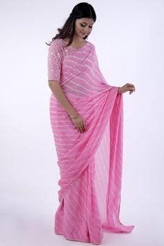 Light Pink Leheriya Saree Combined with lace work net blouse Beaded lace border all-over the Saree New Dress Design Indian, Dress Indian Style, Simple Lehenga, Simple Sarees, Indian Bridal Sarees, Indian Beauty Saree, Fancy Sarees, Party Wear Sarees, Beautiful Blouses