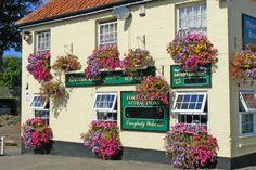 The Queens Head Pub at Burgh Castle near Great Yarmouth Norfolk England BroadsNet - River Waveney - Herringfleet to Breydon Water Norfolk England, Cornwall England, Great Yarmouth, Pub Food, Pub Signs, Devon, Euro, Scotland, Queens