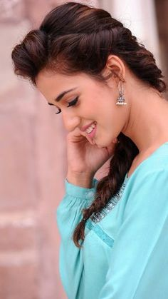 A beautiful warm smile from Disha Patani. Beautiful Blonde Girl, Beautiful Girl Photo, Beautiful Girl Indian, Most Beautiful Indian Actress, Beautiful Women, Bollywood Girls, Bollywood Celebrities, Bollywood Songs, Beautiful Bollywood Actress