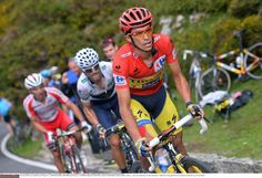 Vuelta a España 2014 - Stage 15: Oviedo - Lagos de Covadonga 152.2km - Contador leads Valverde up the final climb