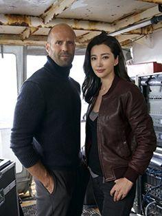 Jason Statham and Bingbing Li in Meg (2018)