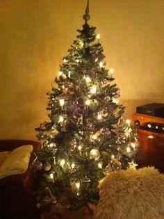 Kerstboom alles zilver met creme/bruin lint