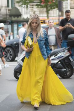 Pretty in yellow – Charlotte Groeneveld, The Fashion Guitar, wearing our flou #SS15 dress in Paris, July 2015. #chloeGIRLS