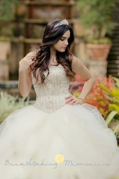 50 Long Hair Models For every major event such as a quince fiesta Quinceanera Dresses, Quinceanera Hairstyles, Quinceanera Party, Quinceanera Photography, Prom Photography, Memories Photography, Fashion Kids, 15 Dresses, Flower Girl Dresses