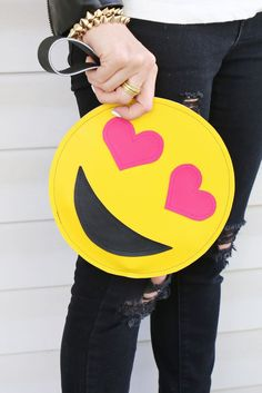 Emoji Clutch Obsessed with emoji? Check out this tutorial to see how to create your very own emoji inspired clutch. Craft Tutorials, Sewing Tutorials, Bag Tutorials, Sewing Ideas, Make Your Own, Make It Yourself, How To Make, Cute Smiley Face, Smiley Faces