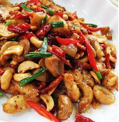Thai Stir-fry Recipe: Savory Chicken with Cashew Nuts (kai phat met ma muang him ma phan) Stir Fry Recipes, Thai Recipes, Turkey Recipes, Asian Recipes, Chicken Recipes, Cooking Recipes, Healthy Recipes, Chinese Recipes, Recipes Dinner