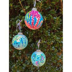 Lilly Pulitzer Inspired Hand Painted Ornament by LillySouthern  OMG THESE ARE PRECIOUS!!! I want a full tree of these for my apartment!