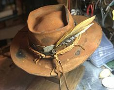 Fashion of Hats! Custom Cowboy Hats, Western Hats, Custom Hats, Mens Cowboy Hats, Cowgirl Hats, Fancy Hats, Cool Hats, Doble Denim, Fashion Brand