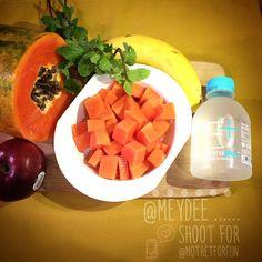 「 GOOD Morning with a GOOD dish . Kita anaknya frutarian banget emang . Pagi melek mata yang disantap yaa buah2an,,gampang gk ribet sehat pula . .… 」