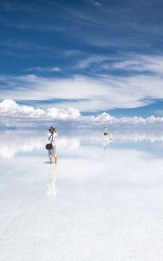 Salar de Uyuni in Bolivia is a place people don't just visit. Rather, they inhale its vastness and colours with every fiber of their being. Salar de Uyuni is a place of superlatives – the world's largest salt flat, world's biggest reserve of lithium, the best place on Earth to callibrate satellites – in short: a visual miracle and mirror to the sky.